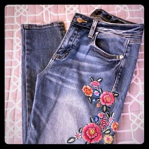 Miss Me Embroidered Ankle Skinny Jeans